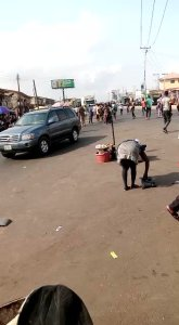 Motorcyclists clash with warders over parking space in Ibadan (Video)