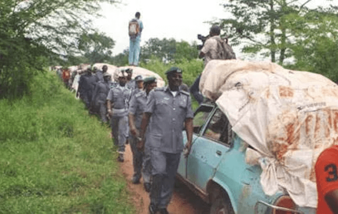 Customs, Soldiers attacked over smuggled rice in Lagos, Customs, Soldiers attacked over smuggled rice in Lagos, Effiezy - Top Nigerian News & Entertainment Website