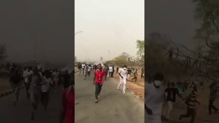 Nigerian Army fire tear gas at UNIABUJA students protesting hike in tuition fee, Others (video)