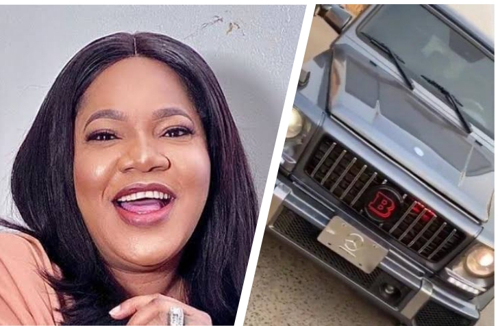 Nollywood actress Toyin Abraham gift herself a brand new G-Wagon (video)