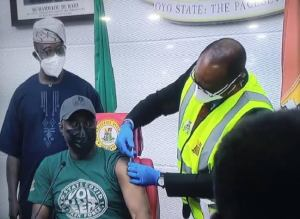 Gov Makinde finally take COVID-19 vaccine, explains why he ordered sterility test