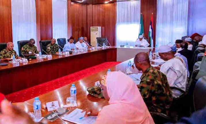 , Buhari meets service chiefs ahead of London trip, Effiezy - Top Nigerian News & Entertainment Website