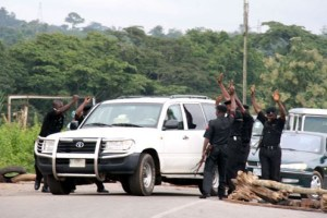 CP dismantles road blocks on Lagos-Badagry expressway