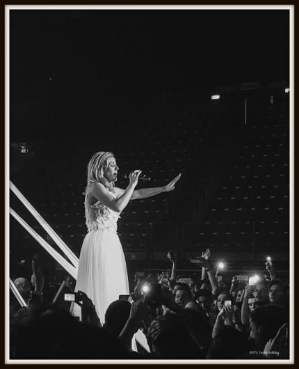 Ellie Goulding Delirium World Tour concert in Milan