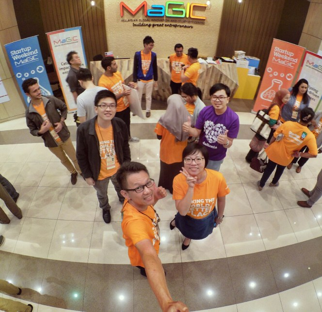 startup-weekend-at-magic-cyberjaya-malaysia-powered-by-google-for-entrepreneurs-social-enterprise-edition-raymond-ong-and-effye-ang-effye-media-online-advertising-a80