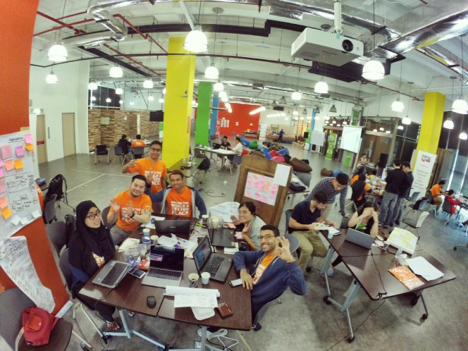 startup-weekend-at-magic-cyberjaya-malaysia-powered-by-google-for-entrepreneurs-social-enterprise-edition-raymond-ong-and-effye-ang-effye-media-online-advertising-b14