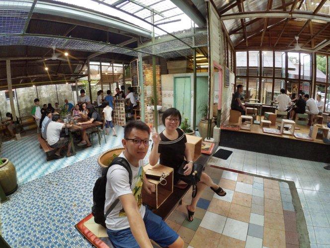长颈鹿图书馆 蕉赖 雪兰莪 马来西亚 文艺咖啡厅图书馆 Little Giraffe Book Club Balakong 43200 Batu 9 Cheras Selangor Malaysia Art Cafe Library A16