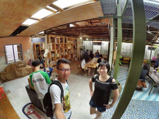 长颈鹿图书馆 蕉赖 雪兰莪 马来西亚 文艺咖啡厅图书馆 Little Giraffe Book Club Balakong 43200 Batu 9 Cheras Selangor Malaysia Art Cafe Library A20
