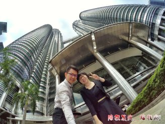 Raymond Ong Effye Ang work together Fighting for Future Crazy Life 陪我发疯 陪我癫 KLCC Malaysia A03