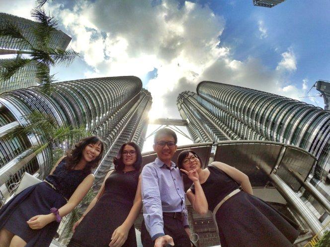 KLCC Kuala Lumpur Malaysia Kuala Lumpur City Centre Selangor Travel Raymond Ong Effye Ang Pinky Ning Estella Oon PETRONAS Twin Towers 马来西亚 吉隆坡 双峰塔 旅游 雪兰莪 A0