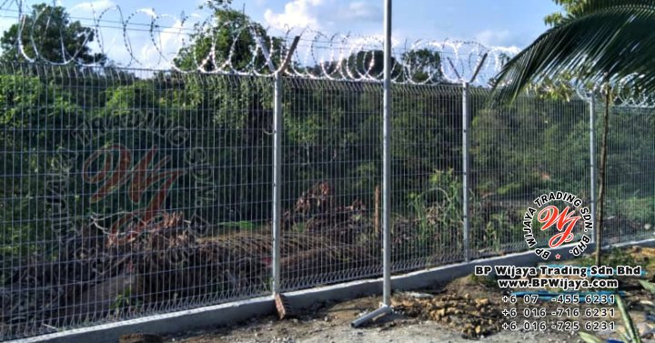 bp wijaya trading sdn bhd security fence project ulu tiram johor malaysia galvanized fence and galvanized razor barbed wire a000