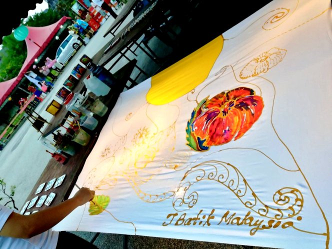 J Batik Malaysia Joey Kher Artist Malaysia Batik Lantern Mid-Autumn Festival Jasmine Tea Ivan Tan Raymond Ong Effye Ang 乔伊峇迪蜡染工作室 郭柔莹 马来西亚艺术家 中秋节峇迪蜡染灯笼 A09