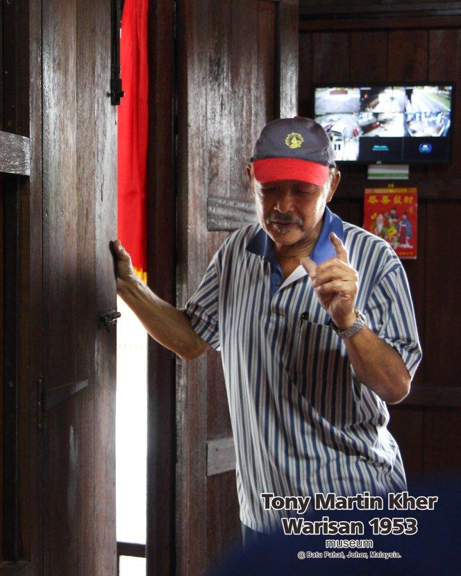 Tony Martin Kher founder of Warisan 1953 Museum at Batu Pahat Johor Malaysia Heritage 1953 Artist Joey Kher A19