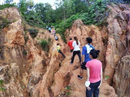 山里的故事 峇株巴辖 龙华山庄 后山 Gunung Puncak Batu Pahat Johor Malaysia Raymond Ong A12
