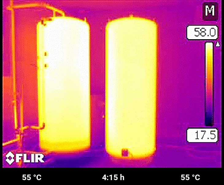Geschafft! Beide Speicher sind nun nach gut 4 h gleich warm. Beim Schichtspeicher mit E-Heat stand das erste warme Duschwasser jedoch bereits nach 10 Minuten zur Verfügung.