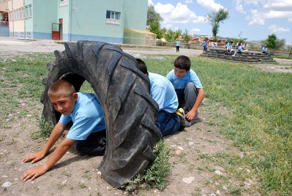 Okul Bahçesine, Oyun Parkı,atik, lastik