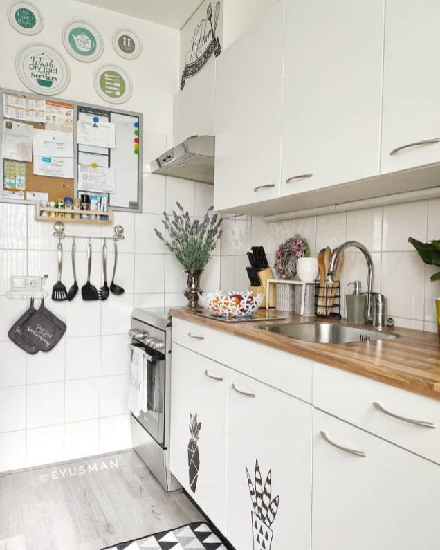 Best Creative Small Kitchen Design And Organization Ideas with white cabinet 1