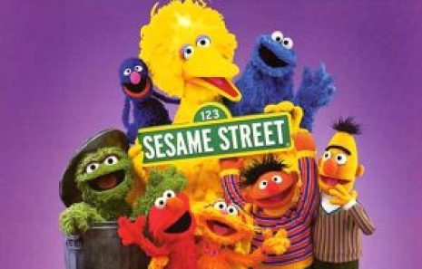feature-sesame-streets-40th-birthday-sesame-street-cast-wk-46-nov09-gallery-1