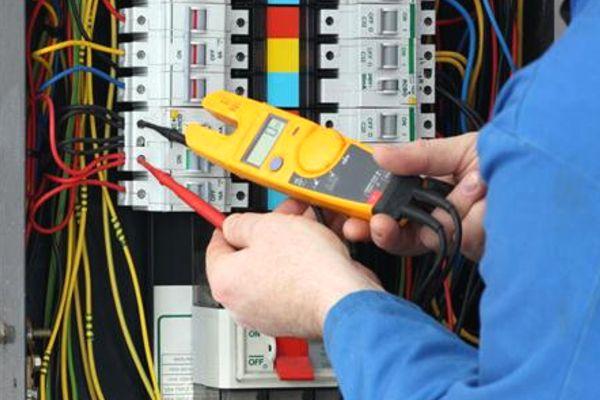Curso de Capacitação  Eletricista Predial