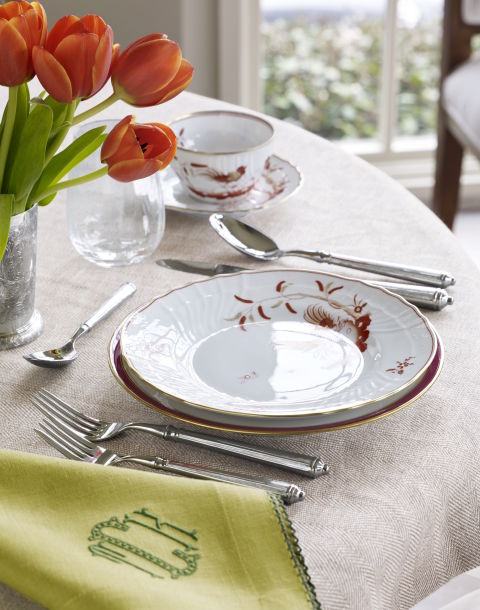 gallery-1478558485-holiday-place-setting-lime-green