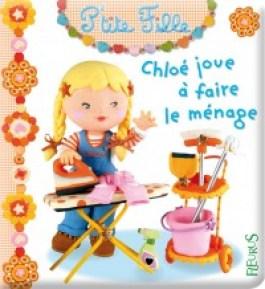 Chloé joue à faire le ménage - Fleurus - stéréotypes - Egalimère
