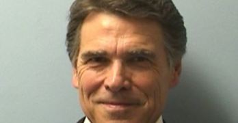 Rick Perry surrenders in midst of dozens of supporters