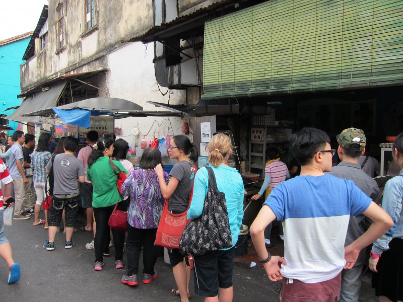 Queuing for cendol - a popular Penang dessert