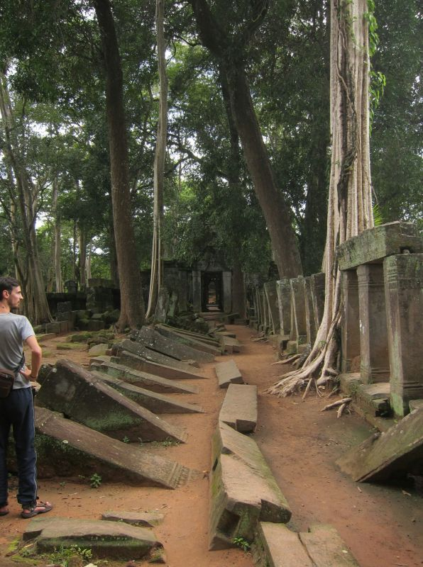 Thom Temple, which you walk though to reach Koh Ker Temple.