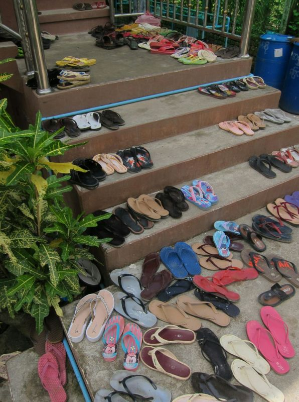 Many jandals means many nuns.