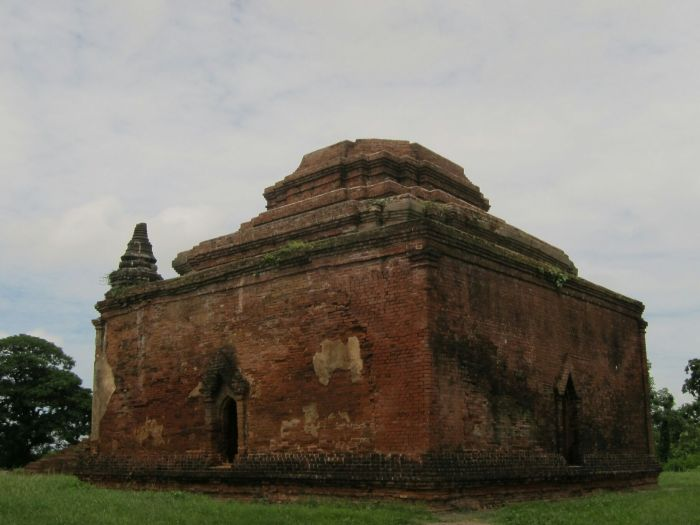 Payahtaung temple. Thought to be built between the 9th and 10th century by '1000 officers.'