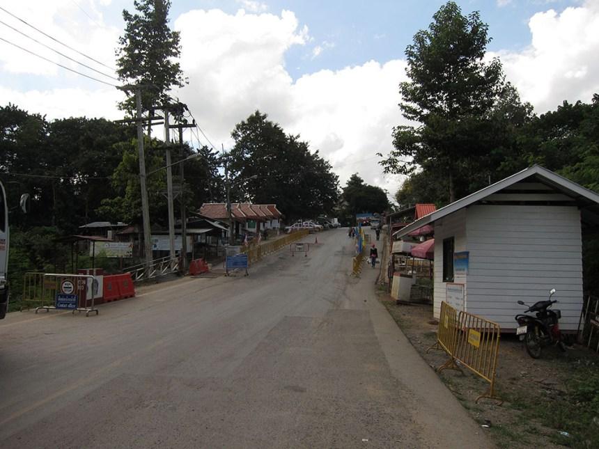Huay Kon border crossing
