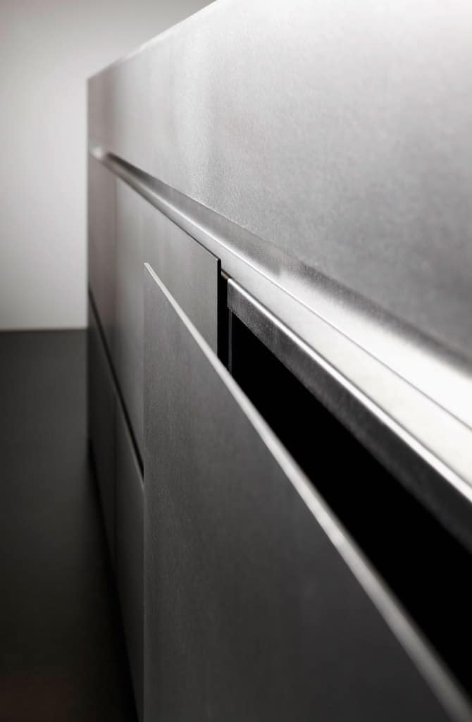 German Cabinets Faced with Silver Touch Hot Rolled Steel