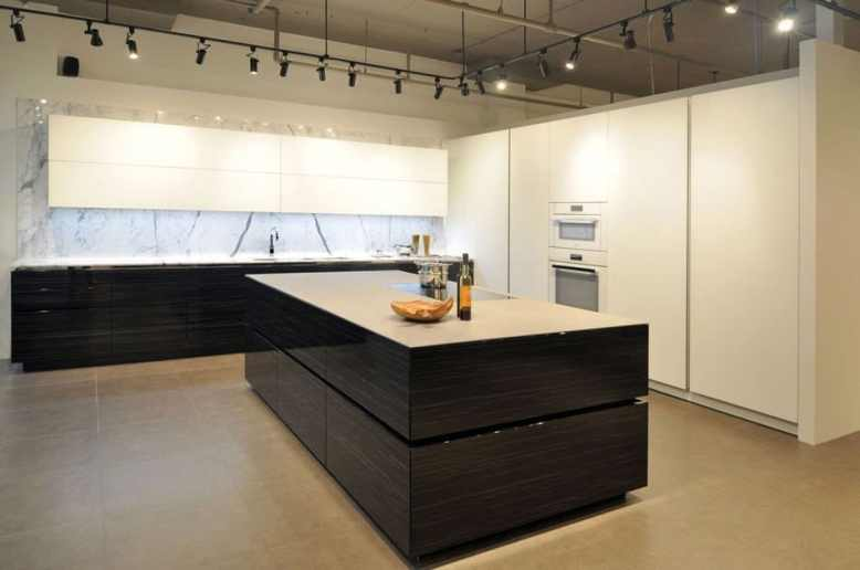 contemporary black and white kitchen at eggersmann florida showroom