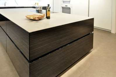 black and white modern cabinetry featured at eggersmann florida showroom
