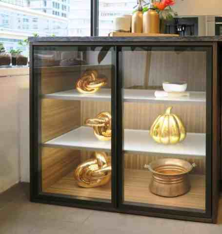 eggersmann-illuminated-glass-display