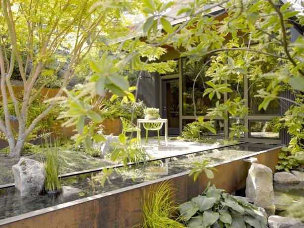 efa-boatbay-courtyard