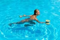 #FeelGoodFriday: Exercises to Practice in Your Backyard Pool