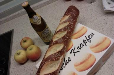 """Spécialités locales. Les beignets (""""Krapfen"""") sont particulièrement prisés pendant la semaine du Mardi gras. A Stuttgart, les Krapfen s'appellent des Berliner, et à Berlin... des Pfannkuchen."""