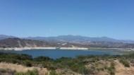 Le lac artificiel de Cachuma, à 36 km de Santa Barbara. Le niveau de l'eau est très bas.