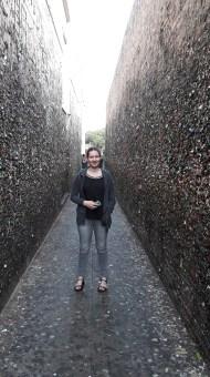 Bubble Gum Alley à San Luis Obispo, une ville universitaire. Sur les murs, des chewing gums collés partout.