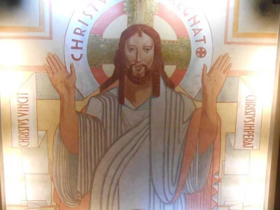 fresque du Christ au plafond de la crypte