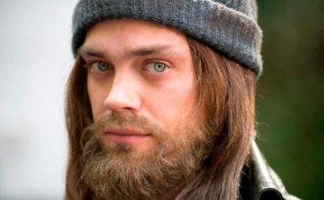 Tom Payne confirma que Jesús es gay en The Walking Dead