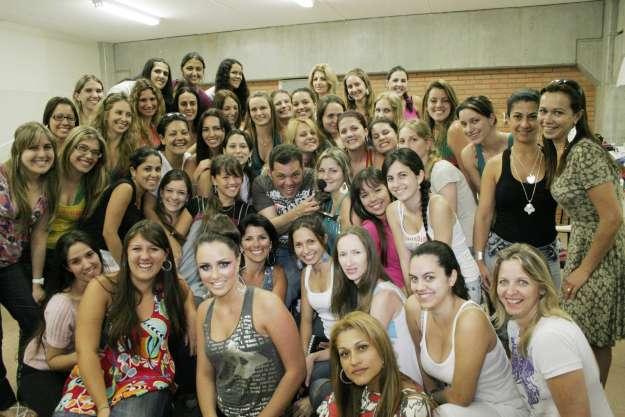 Beto França Make Up Artisti Maquiador Profissional entre os Alunos - Foto Marcos Morrone
