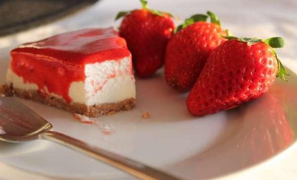 Cheesecake de Morangos Foto Cozinha com Pinta