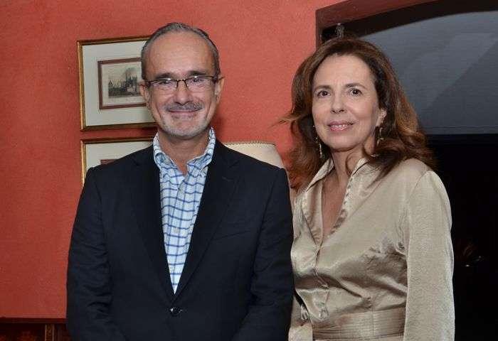 Consul da Espanha com a Embaixatriz Isabel Meirelles