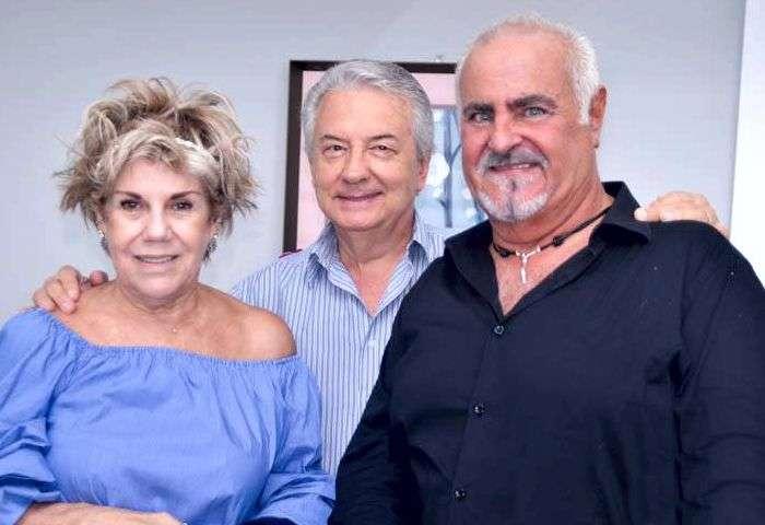Janinha Godoy com seu esposo e Tadeu Ribeiro - Foto: Alvaro Talaia