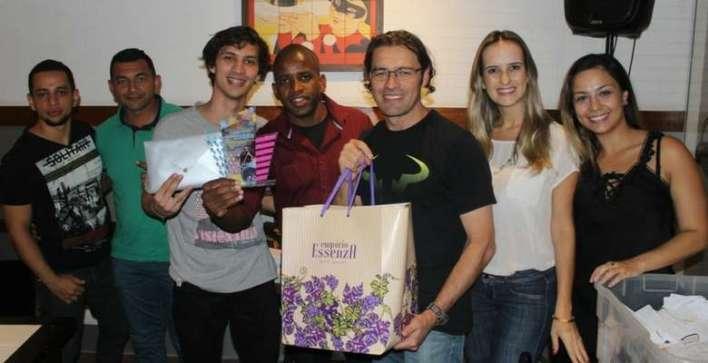 Representates-do-Bella-Camboriú-recebendo-o-prêmio-de-2º-lugar-em-arrecadação-da-taxa-Room-Tax Title category