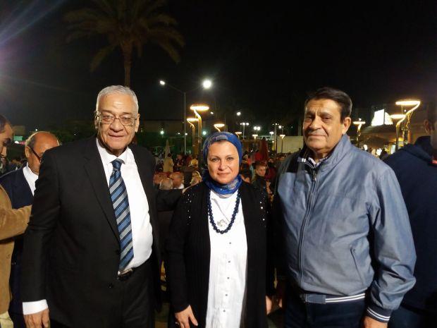 محمود السرنجاوى و مى فارس و احمد عابدين