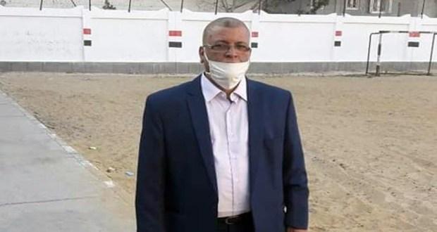 محمد بكري مدير مدرسة أحمد زويل الثانوية بنين بدمنهور
