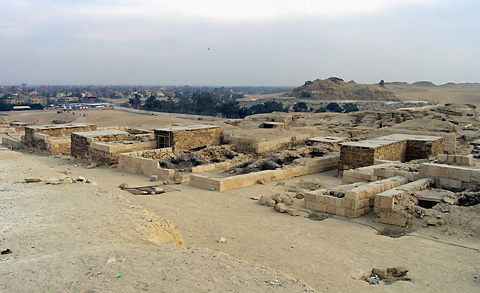 Tombs south of Khafre's causeway
